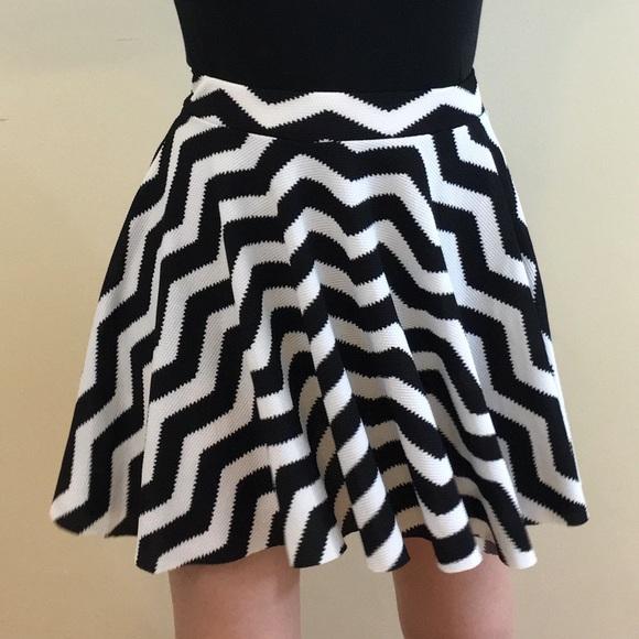 10cfb06c82 Dresses & Skirts - Black & White Chevron Circle Skirt